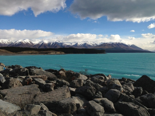 glacial flour making lake pukaki so turquoise