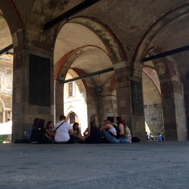 singing under the arches