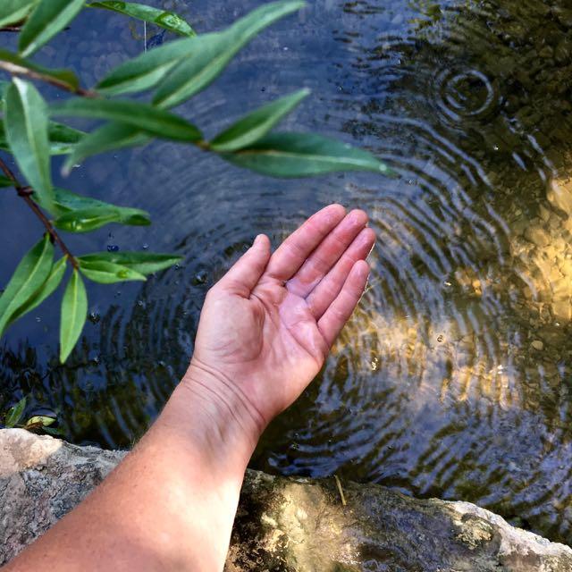 water open hand