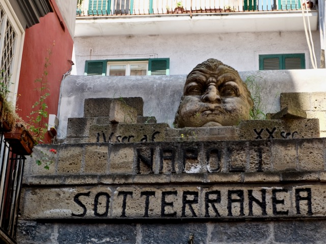 Napoli sotteranea underground Greek Roman aqueduct
